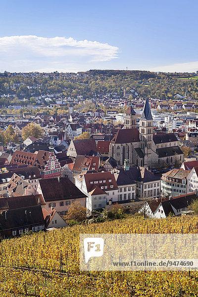 Ausblick von der Esslinger Burg auf die Altstadt im Herbst  Esslingen am Neckar  Baden-Württemberg  Deutschland  Europa
