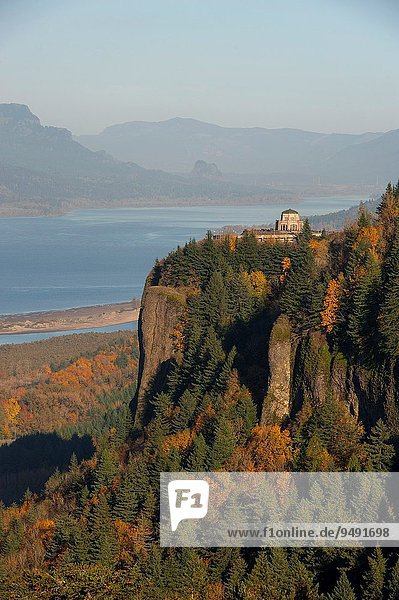 Vereinigte Staaten von Amerika USA nahe Frau Wohnhaus Reise Fluss Ansicht Portland Schlucht Oregon