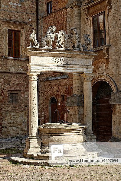 Wasser Geschichte Dorf Ziehbrunnen Brunnen Italien Montepulciano