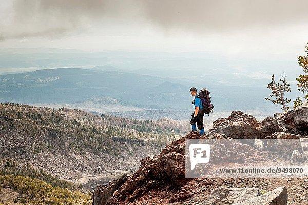 Vereinigte Staaten von Amerika USA entfernt Berg Ecke Ecken über Steilküste Rucksackurlaub hinaussehen Mount Adams