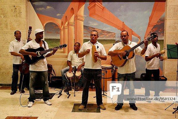Carribean  Cuba republic  city of Habana the capita  musiciansl