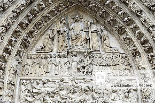 Jüngsten Gericht  Detail des gotischen Hauptportals  Kathedrale Notre-Dame de Paris  Paris  Frankreich  Europa
