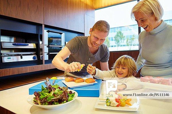 Fisch Pisces nehmen Gesundheit Küche Wachstum Zitrusfrucht Zitrone 3 Generation essen essend isst