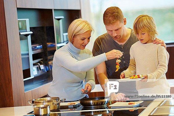 Fisch Pisces kochen Gesundheit Küche Gemüse Wachstum 3 Generation Bratspieß Spieß essen essend isst