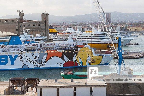 Segeln Morgen Fähre früh Italien Livorno