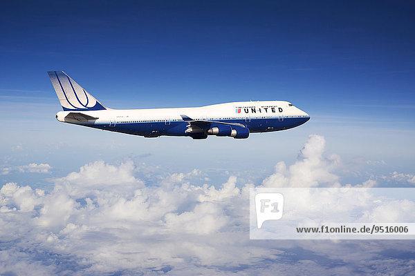 United Airlines Boeing 747-422 N104UA in flight