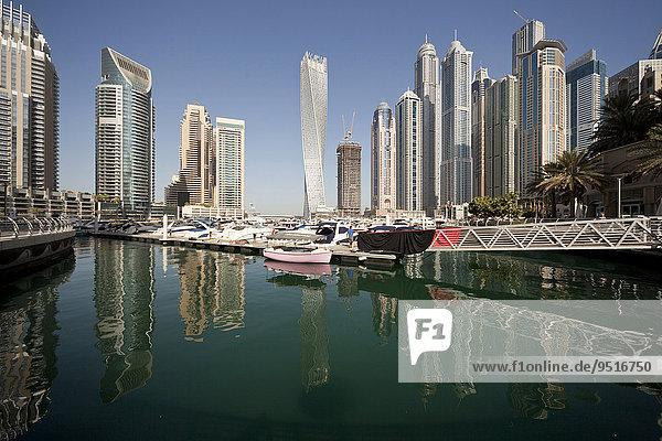 Yachthafen und Wolkenkratzer  Dubai Marina  Dubai  Vereinigte Arabische Emirate  Asien