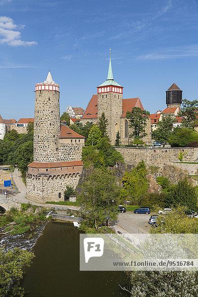 Stadtansicht von Bautzen an der Spree mit Alter Wasserkunst  Ortenburg  Michaeliskirche und Wasserturm  v.l.n.r.  Bautzen  Sachsen  Deutschland  Europa