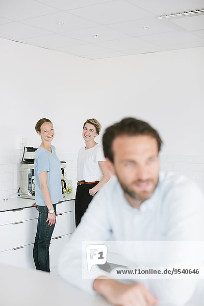 Frau Büro jung