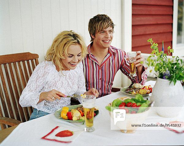 Gericht Mahlzeit jung essen essend isst