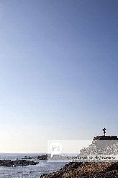 stehend Mensch Steilküste
