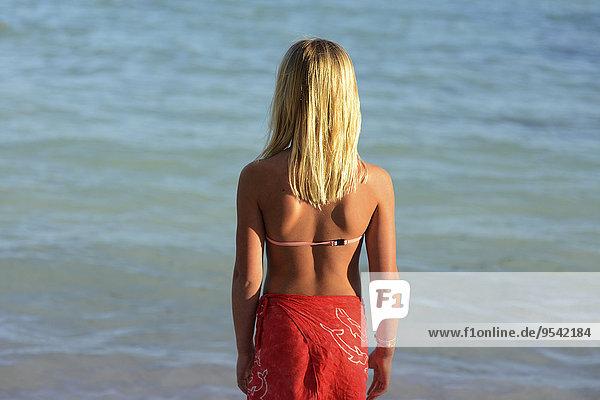 Rückansicht Frau sehen Meer