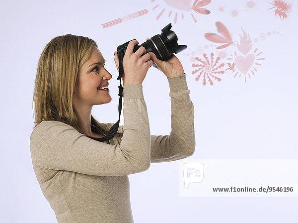 junge Frau junge Frauen über weiß Vielfalt Hintergrund fotografieren Ansicht Seitenansicht