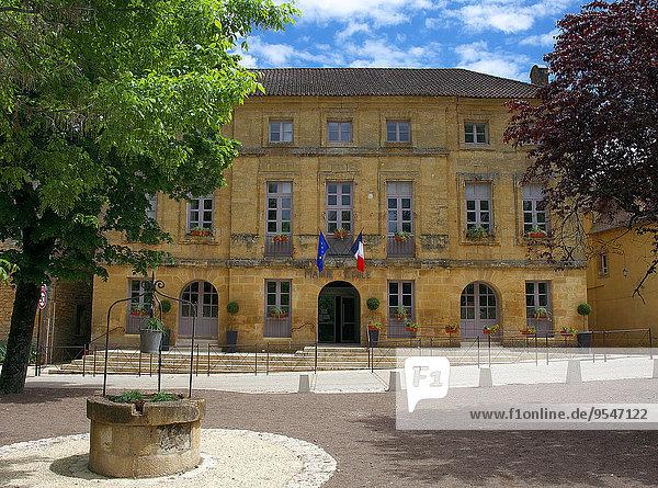 Feuerwehr Halle Stadt Heiligtum Dordogne Leon
