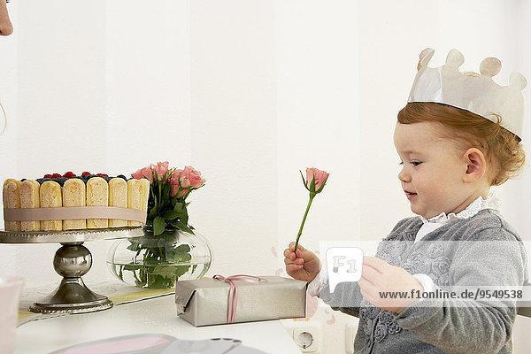 Der erste Geburtstag des kleinen Mädchens Der erste Geburtstag des kleinen Mädchens