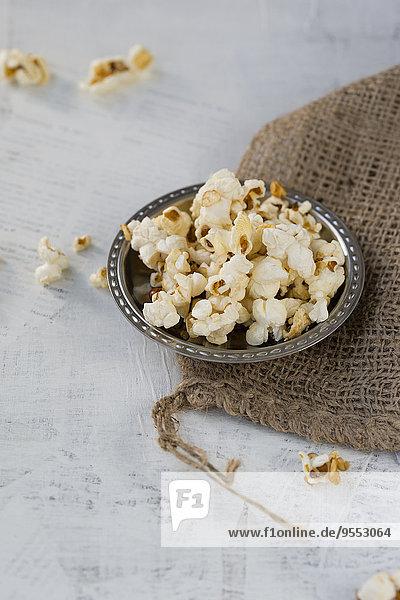 Honig-Popcorn in Schale  Sacktuch