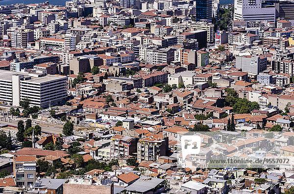 Türkei  Izmir  Ägäisregion  Stadtbild  Wohnhäuser
