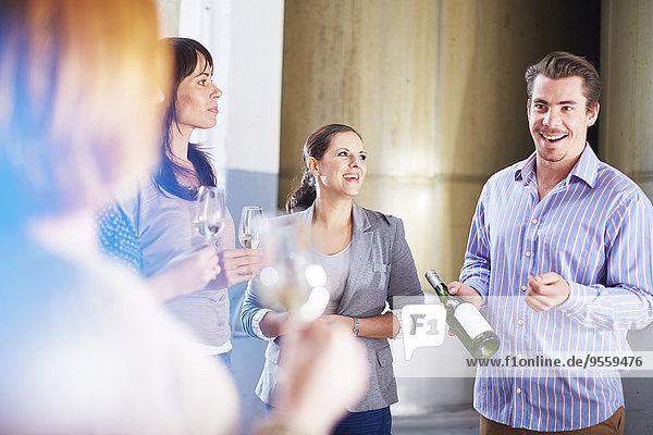 Weinprobe in der Werkstatt