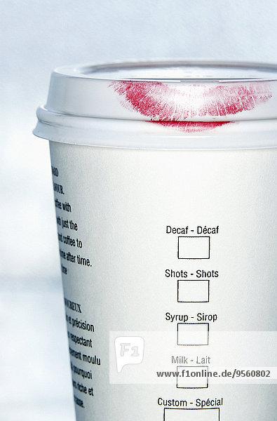 Tasse Lippenstift Kaffee