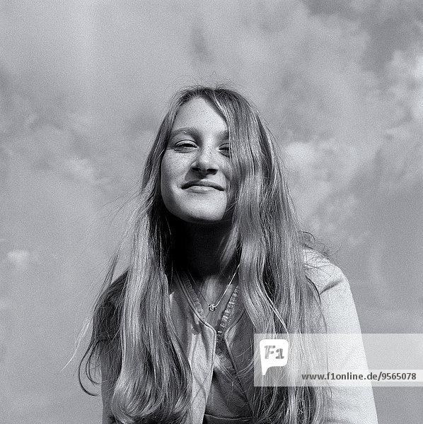 Ein Mädchen lächelt