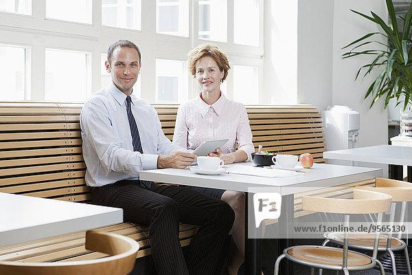Geschäftskollegen beim Geschäftsessen