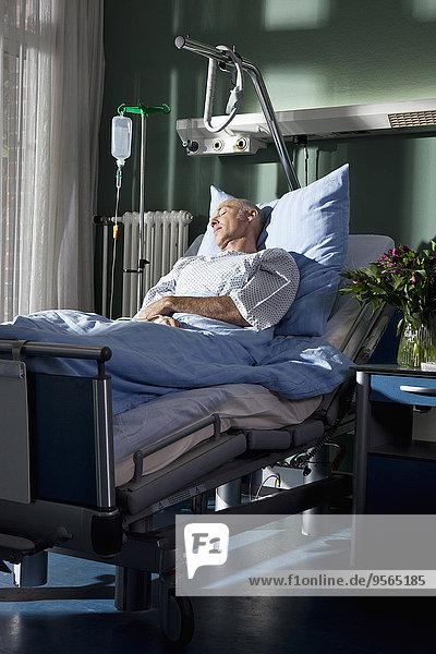 Mann,Krankenhaus,Bett,schlafen