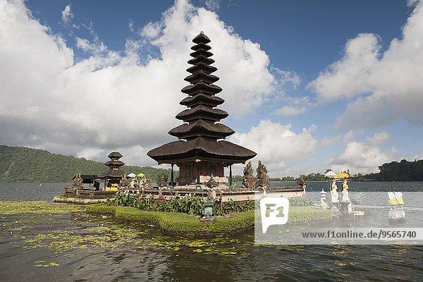 Pura Ulun Danu Tempel am Bratan See  Bali  Indonesien