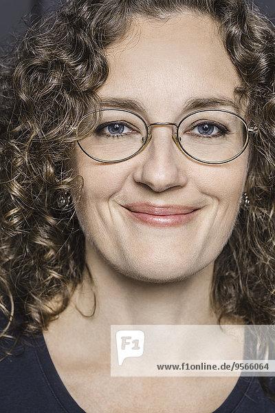 Nahaufnahme Porträt einer lächelnden Frau
