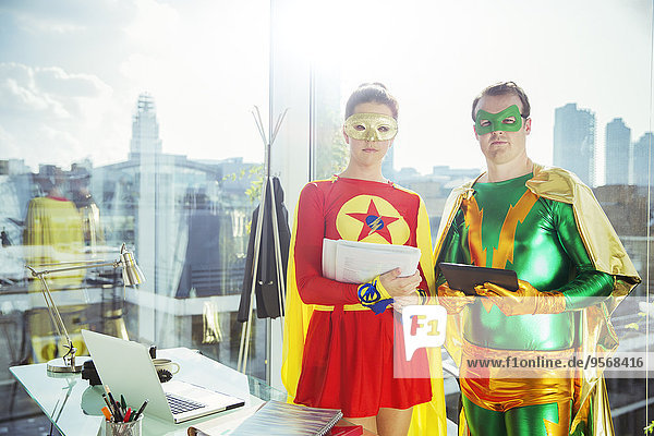 Superhelden im Amt