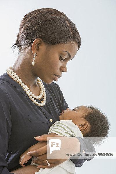 Sohn 0-4 Wochen 0 bis 4 Wochen wiegen Mutter - Mensch Baby