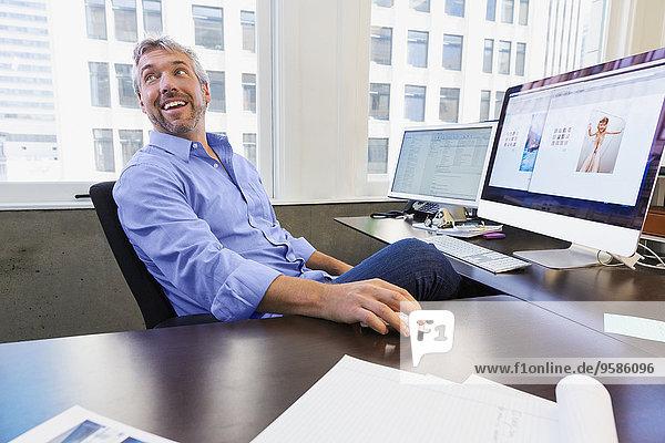 Europäer Computer Geschäftsmann arbeiten Büro