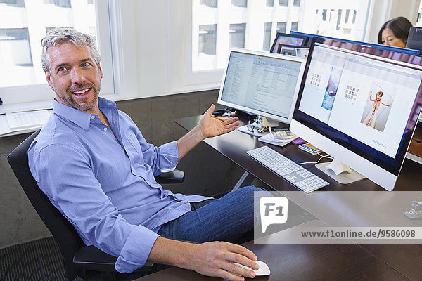 Computer Geschäftsmann arbeiten Büro