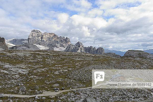 Italien  Südtirol  Dolomiten  Berglandschaft in der Region Tre Cime di Lavaredo