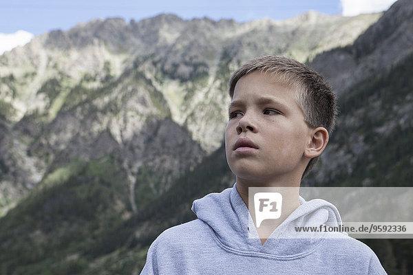 Porträt eines Teenagers mit seitlichem Blick  South Dakota  USA