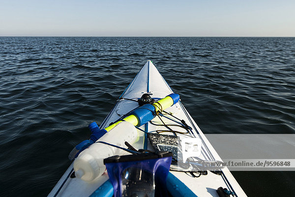 Schnittbild des Kajaks auf dem Meer