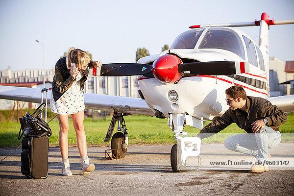 Flugzeug Prüfung jung Propeller