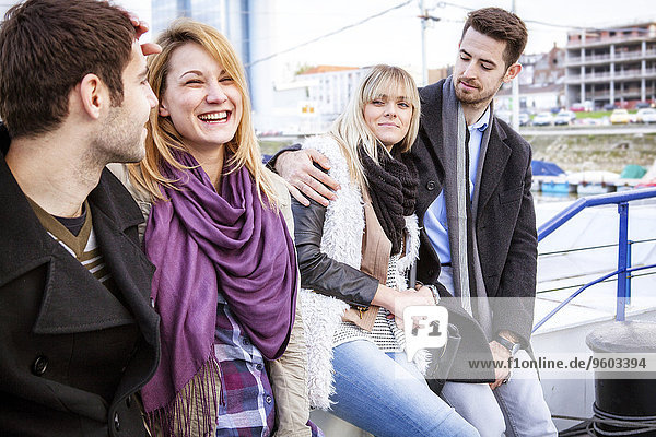 Portrait Freundschaft Stadt Pause Pause machen