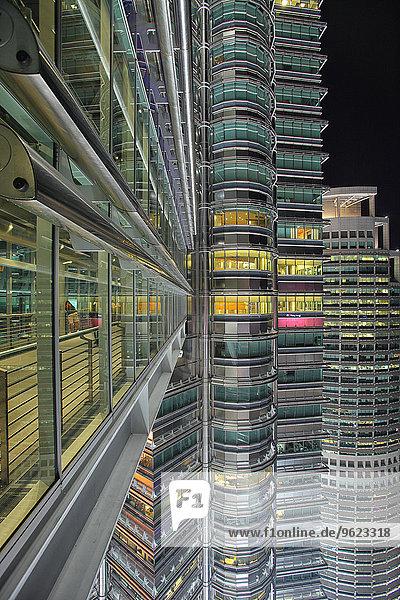 Malaysia  Kuala Lumpur  front of Petronas Twin Towers at night