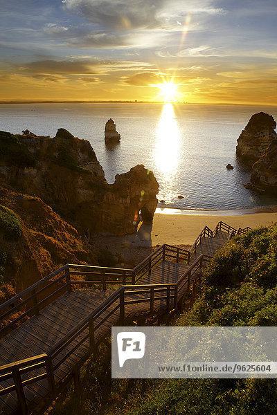 Portugal  Algarve  Lagos  Felsformationen am Strand