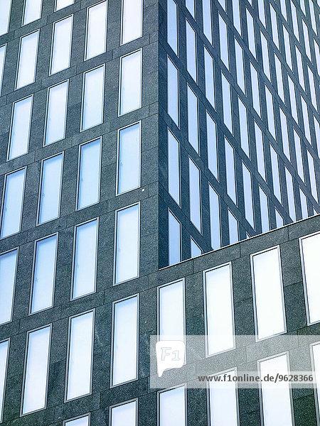 Schweiz  Zürich  Fassade moderner Büroturm