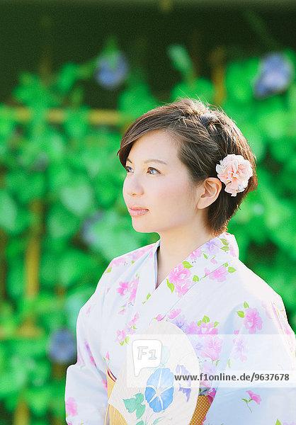 Frau jung japanisch Yukata