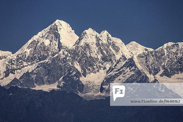 Berge des Himalaya  bei Nagarkot  Nepal  Asien
