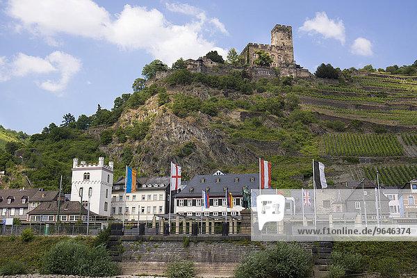 Kaub hinten Burg Gutenfels  UNESCO Weltkulturerbe Oberes Mittelrheintal  bei St. Goarshausen  Rheinland-Pfalz  Deutschland  Europa