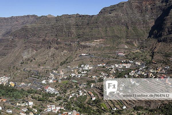 Ausblick auf die Ortschaften im oberen Valle Gran Rey  Lomo del Balo und La Vizcaina  La Gomera  Kanarische Inseln  Spanien  Europa
