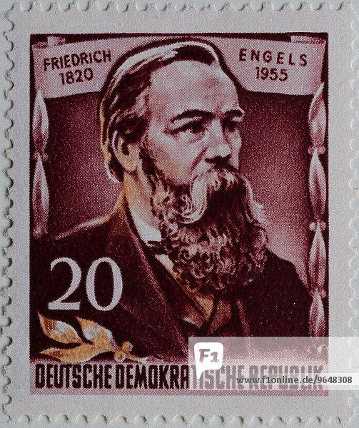 Friedrich Engels  deutscher Sozialwissenschaftler  Autor  politischer Theoretiker  Philosoph der marxistischen Theorie  Porträt  Briefmarke  DDR  1955