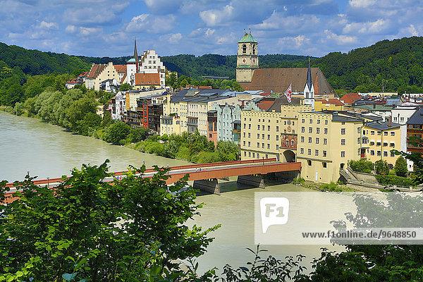 Stadtansicht  Brucktor und Rote Brücke  Wasserburg am Inn  Oberbayern  Bayern  Deutschland  Europa