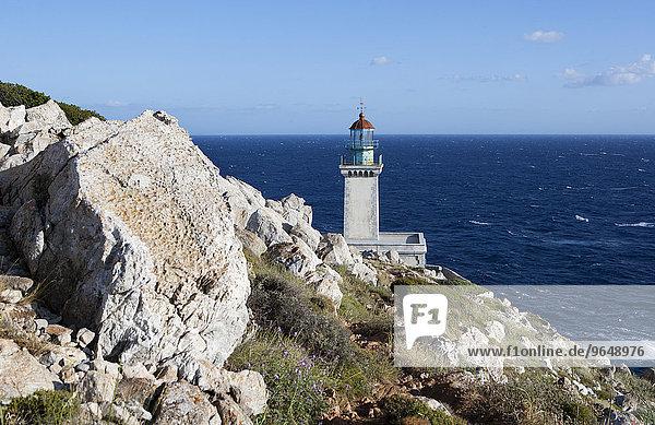 Leuchtturm Akrotiri Tenaro am südlichsten Punkt des Peloponnes  Kap Tenaro auch Kap Matapan  Mani-Halbinsel  Peloponnes  Griechenland  Europa