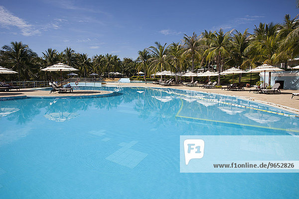 Swimmingpool-Anlage  Sea Links Beach Hotel  Mui Ne  bei Phan Thiet  Vietnam  Asien