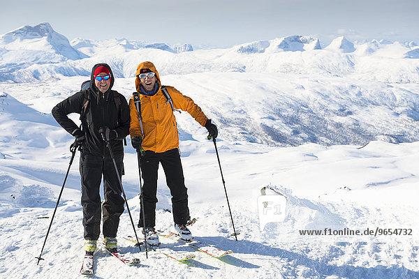 Skitourengeher  Simlefjellet  1.342m  Narvik  Nordland  Norwegen  Skandinavien  Europa