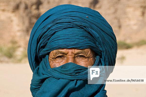 Portrait of a Tuareg man  Essendilene  Algeria  Africa